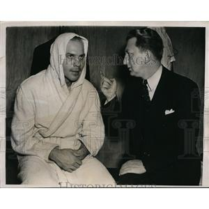1940 Press Photo Johnny Paycheck & manager Harold Steinman - nes29023