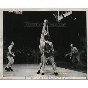 1937 Press Photo Goukas of St Joseph retrieves ball after missed foul shot