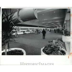 1977 Press Photo Cleveland Hopkins Airport
