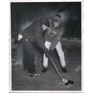1970 Press Photo Paul W. Smith and Ken McCollough Plays Hockey in Wickliffe
