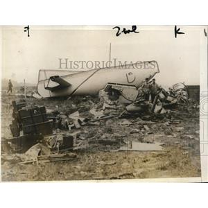 1928 Press Photo wreckage of the Arc-en-Ciel in which Maurice Drouhin was killed
