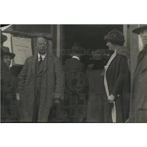 1920 Press Photo Governor & Mrs Jason Cox