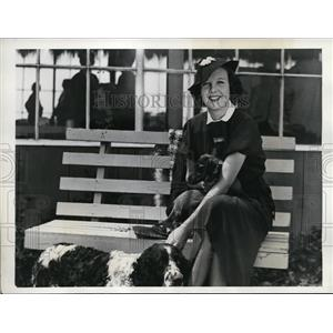 1936 Press Photo English actress Wendy Barrie at Santa Monica skeet club