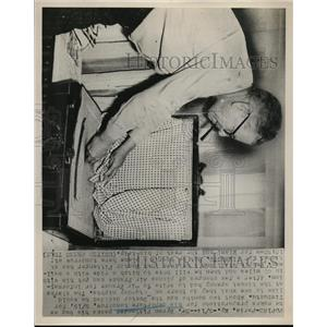 1952 Press Photo Dr Byron Pittenger of Paris Kentucky Leaves for Timbuctu