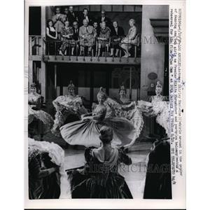 1959 Press Photo Actress Shirley MacLaine Dancing for Premier Nikita Khrushchev