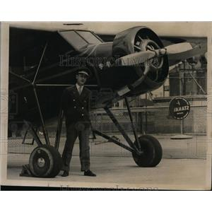 1935 Press Photo William Joseph Mulgueeney Detroit aviator & his plane