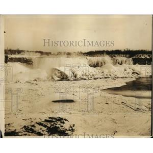 1927 Press Photo Canadian side view of frozen Niagara Falls