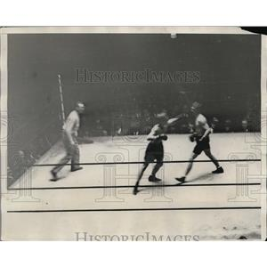 1929 Press Photo Rene De Vos and Harry Ebbets during 9th round of their bout