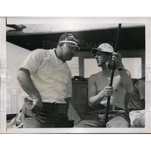 1937 Press Photo Yankee pitchers Walter Brown, Monte Pearson fishing - nes34088