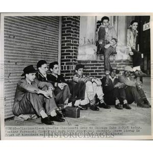 1950 Press Photo Line Waiting for Gates to Open to Reds & Cubs Game in Cincinnat