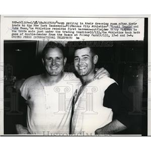 1958 Press Photo Virgil Trucks & Duke Maas traded to Yankees - nes37002