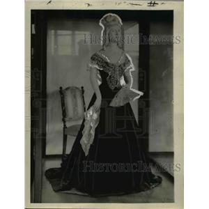 1923 Press Photo Evening gown of Sarah Angelicia Van Buren