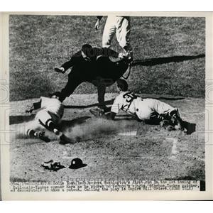 1949 Press Photo Eddie Yost scores for Nationals vs YankeesNiarnos - nes37199