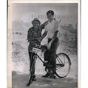 1964 Wire Photo Mickey Rooney with his son Tim Rooney - cvw06514