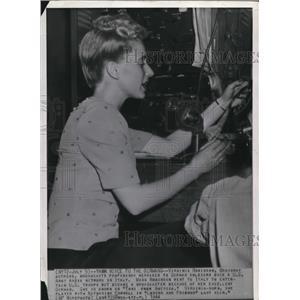 1944 Wire Photo Virginia Robinson, Broadway actress - cvw06541