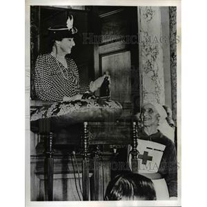 1941 Press Photo Lady Willingdon & Commander Margaret Walker Red Cross Worker