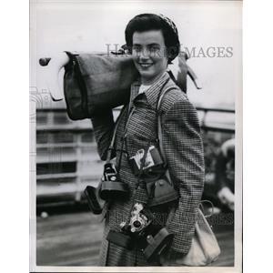 1950 Press Photo Caryl Newhoe US Women's hockey at Southampton England