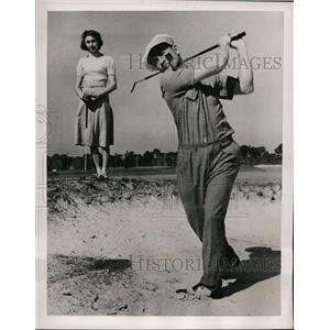 1940 Press Photo Jake Powell of NY Yankees golfing at St Petersburg Florida
