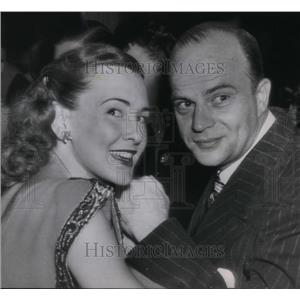 1945 Press Photo Edgar Bergen, Frances Westerman - orx02422