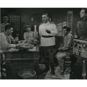 1954 Press Photo Ronald Reagan, Oscar Homolka, Dewey Martin, Prisoners of War