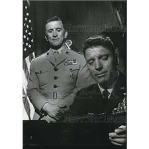 1964 Press Photo Kirk Douglas and Burt Lancaster play key roles in folm.