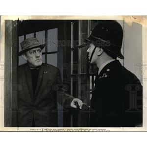 1959 Press Photo Alec Guiness in The Horse's Mouth - orx01932
