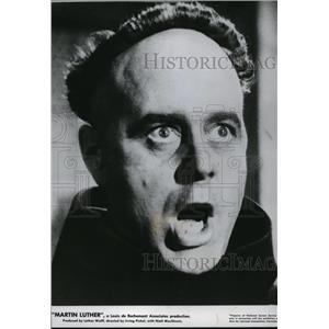 1953 Press Photo Niall MacGinnis In Martin Luther - orx01828