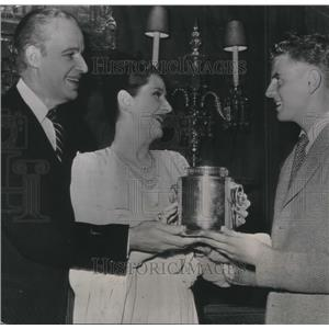 1947 Press Photo Alfred Lunt & Lynn Fontanne Celebrate 25th Wedding Anniversary