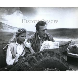 1967 Press Photo Candice Bergen and Yves Montand in Live for Life - orx02431