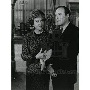 1968 Press Photo Ida Lupino & Malachi Throne Star In It Takes A Thief