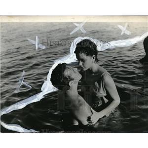 1958 Press Photo The Mating Urge Ricardo Montalban, Ariadna Welter - orx02412