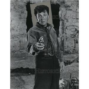 "1954 Press Photo Cameron Mitchell in ""Garden of Evil"" - orx02374"