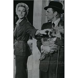 1957 Press Photo Kim Novak and Frank Sinatra in Pal Joey - orx03036