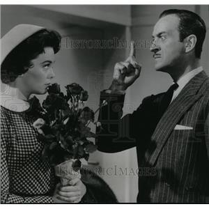 1957 Press Photo David Niven and Barbara Bush stars in Oh Men! Oh Women! Film.