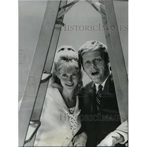 1968 Press Photo Robert Morse & EJ Peaker Star In Thats Life