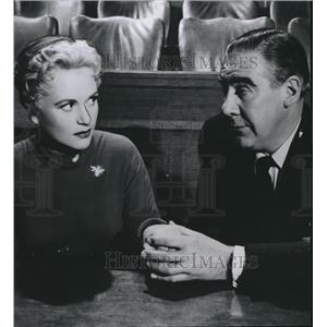 1956 Press Photo Judy Holliday & Paul Douglas in Solid Gold Cadillac