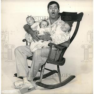 1958 Press Photo Comic Jerry Lewis Rock-a-bye Baby