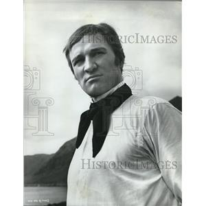 Press Photo Richard Harris in costume for his new movie