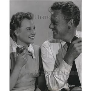 1950 Press Photo June Allyson And Van Johnson In Bride Goes Wild