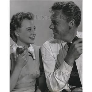 1950 Press Photo June Allyson And Van Johnson In Bride Goes Wild