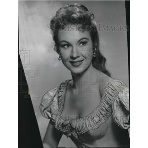 1956 Press Photo Virginia Mayo in The Proud Ones