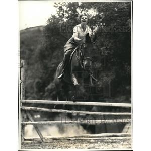 1934 Press Photo Elissa Landi Screen Start Author