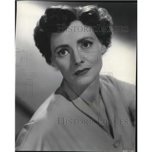1954 Press Photo Celia Johnson In Captains Paradise