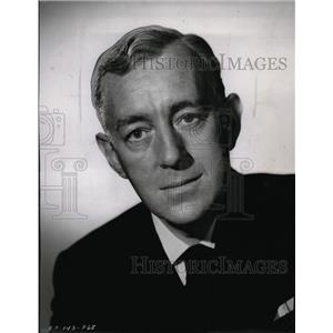 "1958 Press Photo Alec Guinness, actor in comedy role ""All at Sea"""