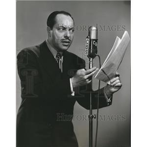1946 Press Photo Harold Huber portrayer in CBS Mystery of the week.