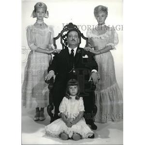 1963 Press Photo Jackie Gleason, Glynis Johns, Laurel Goodwin & Linda Bruhl