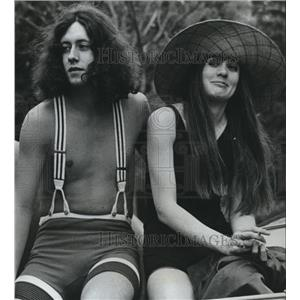 1969 Press Photo Arlo Guthrie and Kathleen Dabney in Alice's Restaurant comedy.