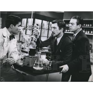 1960 Press Photo Patrick O'Neal, Chester Morris, Cal Bellini Diagnosis Unknown
