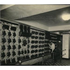 1923 Press Photo Cleveland Public Hall; main switchboard in basement - cva86326