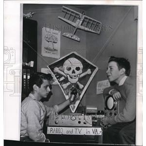 1962 Wire Photo Bruce Wahl with his friend David Lester in their radio station